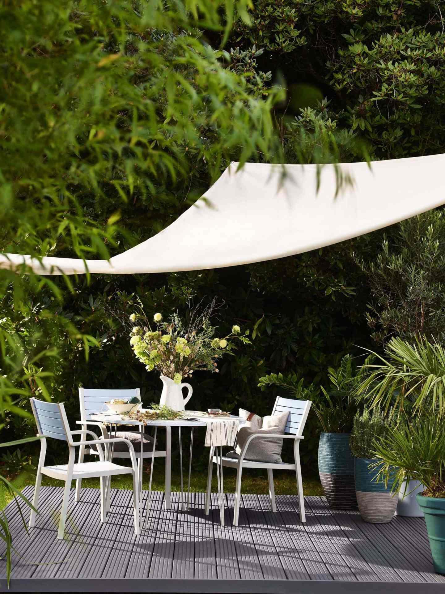garden, gardening, budget garden, garden ideas, lawn, grass, budget decor, diy, garden details, plants
