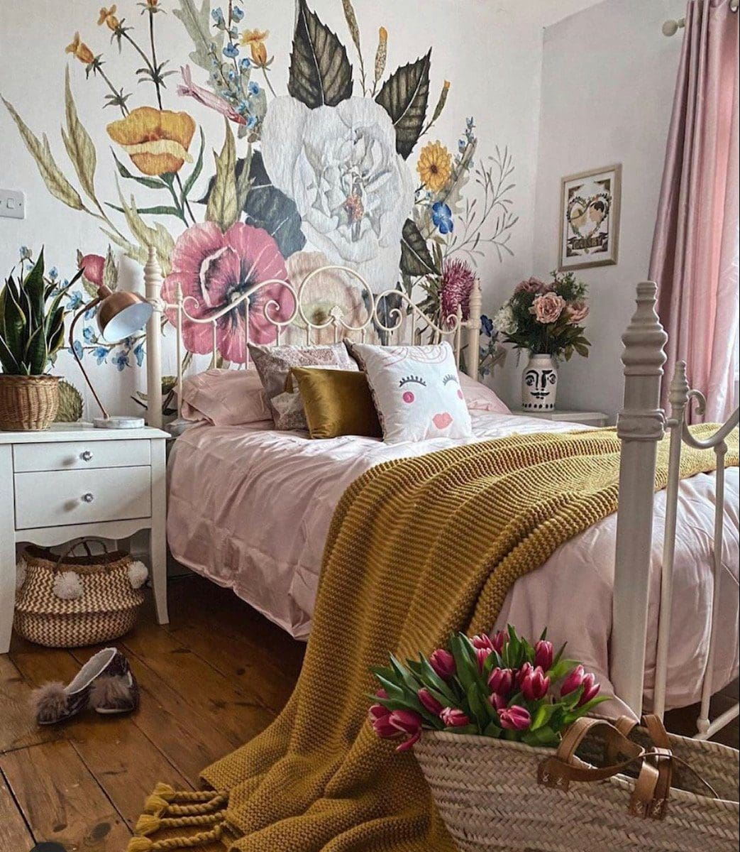 A Simple and Stress-Free Guide to Putting Up Wallpaper