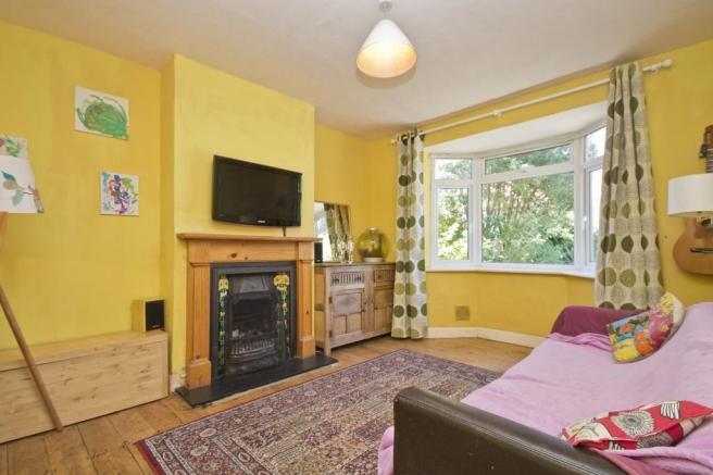 žuta dnevna soba
