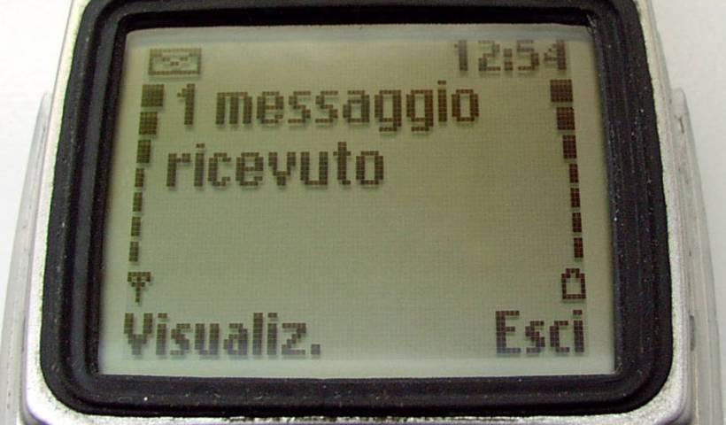 """""""Messaggio ricevuto"""". Con licenza GFDL con disclaimer tramite Wikipedia - https://it.wikipedia.org/wiki/File:Messaggio_ricevuto.jpg#/media/File:Messaggio_ricevuto.jpg"""