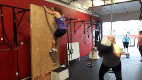 mel-fit-wall-climb