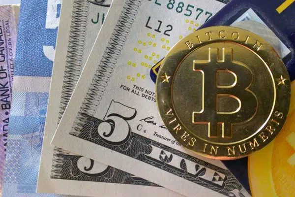 Bitcoin Kağıt Paranın Alternatifi Olabilir mi?