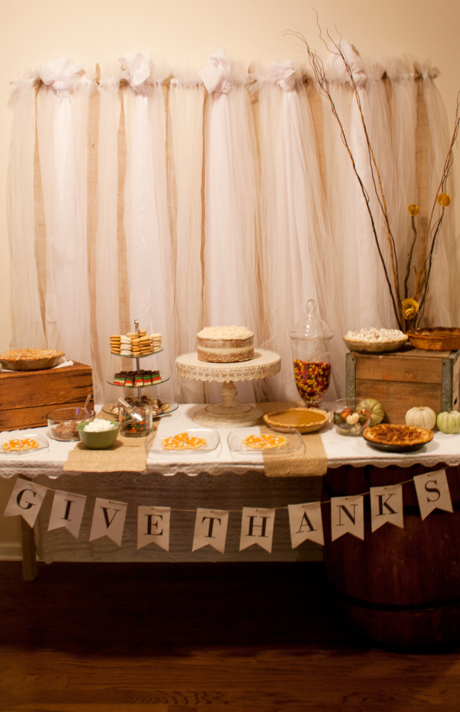 thanksgiving-dessert-table-give-thanks