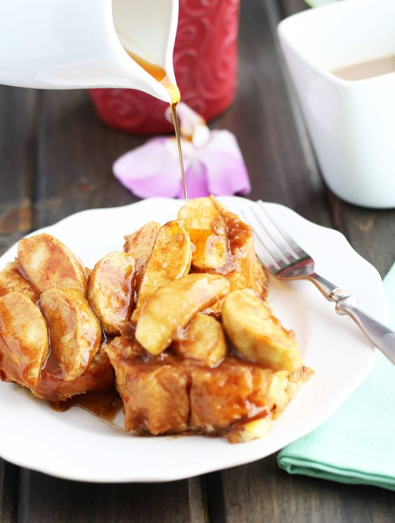 overnight-baked-apple-french-toast