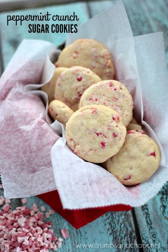 peppermint-crunch-sugar-cookies