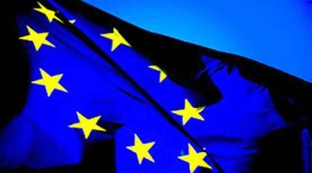 bandiera EU - IL DRAMMA DEI MIGRANTI: L'ACCORDO TRA L'UNIONE EUROPEA E LA TURCHIA