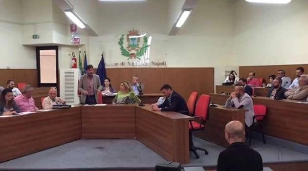 Il sindaco Venanzio Carpentieri nella seduta consiliare del 30-05-16