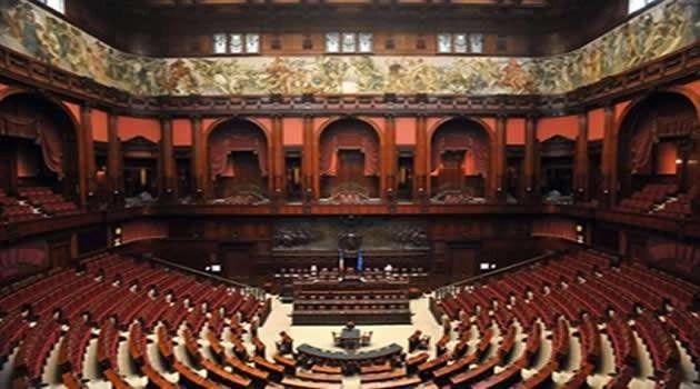L'ITALIA SOFFOCATA DALLE LEGGI