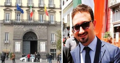 Napoli - Palazzo San Giacomo Raffaele Marrone