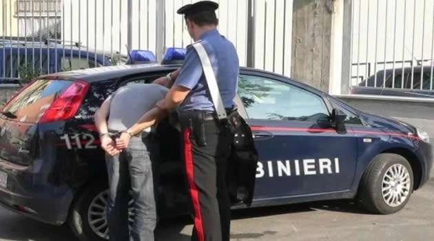 Cronaca, Giugliano: arrestato un estorsore