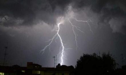 Possibili temporali a Napoli e provincia nei prossimi giorni per un vortice ciclonico in arrivo