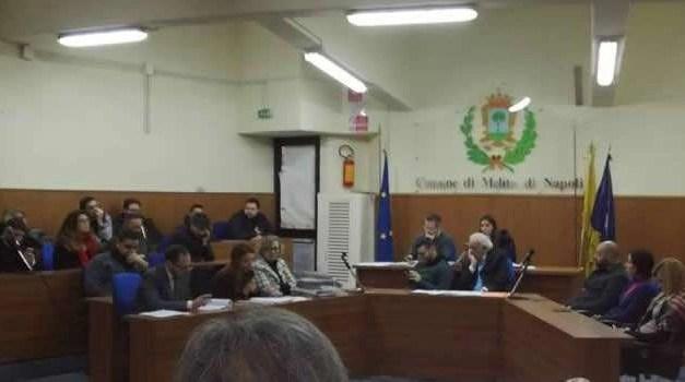"""Melito. Consiglio comunale """"epocale"""": voragine da più 63 milioni di euro, dichiarato il dissesto"""