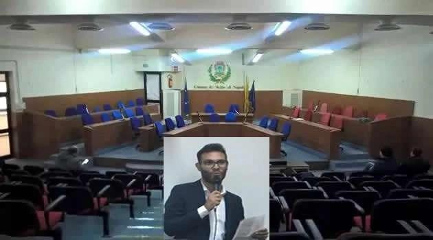Melito - consiglio comunale vuoto Davide Pizzicato