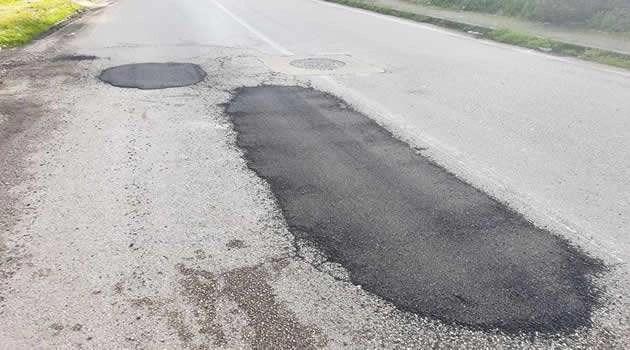 Melito - buche sul manto stradale riparate