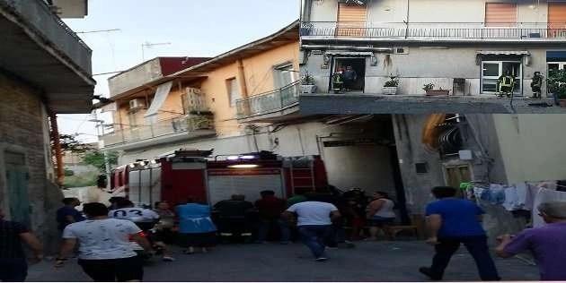 Melito. Incendio in una nota pizzeria nel centro storico