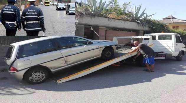 Melito, auto sequestrate dalla Polizia Locale