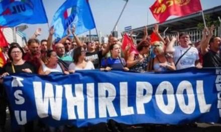Whirlpool. Protesta degli operai a piazza Garibaldi