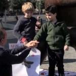 """La manifestazione dei bambini per promuovere il progetto plastic free:""""Dimostrate che si può vivere senza plastica"""""""