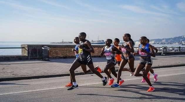 Napoli City Half Marathon: 7000 atleti in uno squarcio di paradiso baciato dal sole