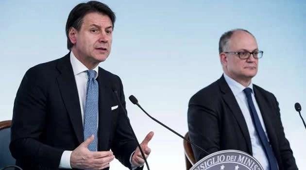 """Coronavirus, conferenza stampa sul decreto """"cura Italia"""": 10 miliardi al lavoro, 3,5 miliardi alla sanità"""