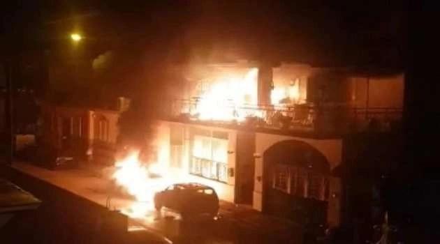 Accendono una candela per partecipare ad una campagna di solidarietà ma la casa prende fuoco