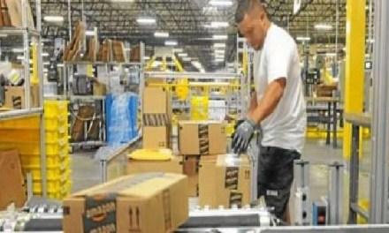Amazon: colosso delle vendite online o tiranno?