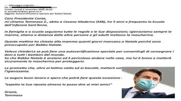 """""""Babbo Natale ha un'autocertificazione internazionale"""": la risposta del Premier Conte a Tommaso"""