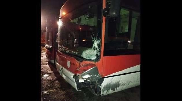 Napoli, cronaca Schianto mortale contro un autobus a Quarto