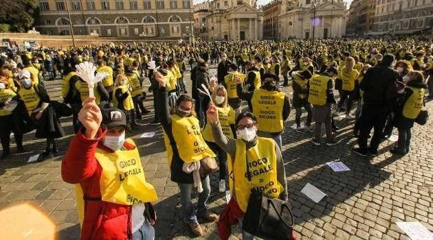 Protesta il comparto del gioco legale. Rischio infiltrazioni soprattutto in Campania