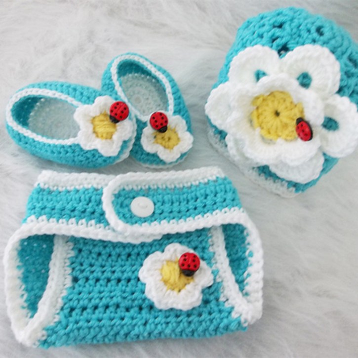 Don't Eat the Daisies Shell Beanie and Diaper Cover by Anne Granger