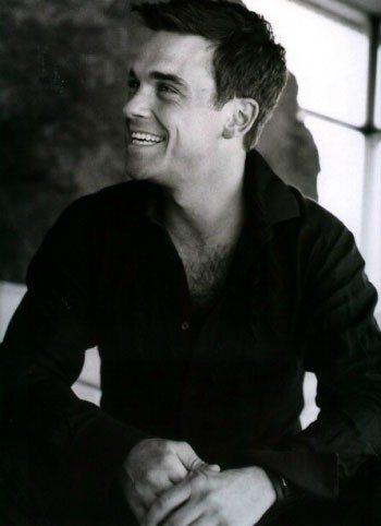 Robbie Williams: niente tour, ha paura del palco