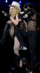 Le foto di Madonna durante lo Sticky and Sweet tour di Milano - 19