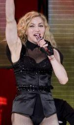 Le foto di Madonna durante lo Sticky and Sweet tour di Milano - 21