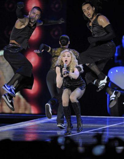 Le foto di Madonna durante lo Sticky and Sweet tour di Milano - 8