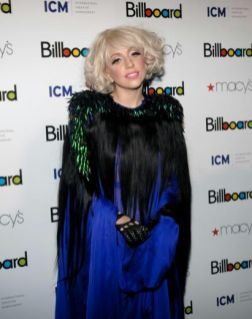 lady-gaga-billboard-1
