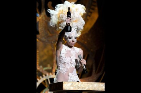 01-lady-gaga-brit-awards-2010