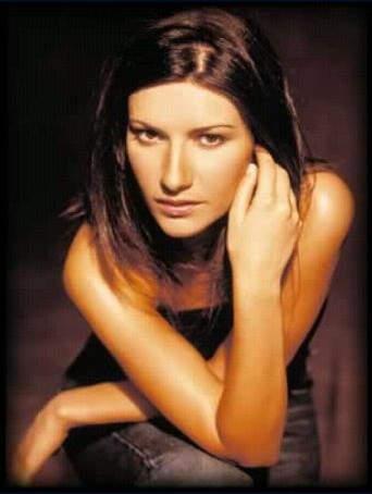 Laura Pausini torna a cantare per le vittime del  Cile