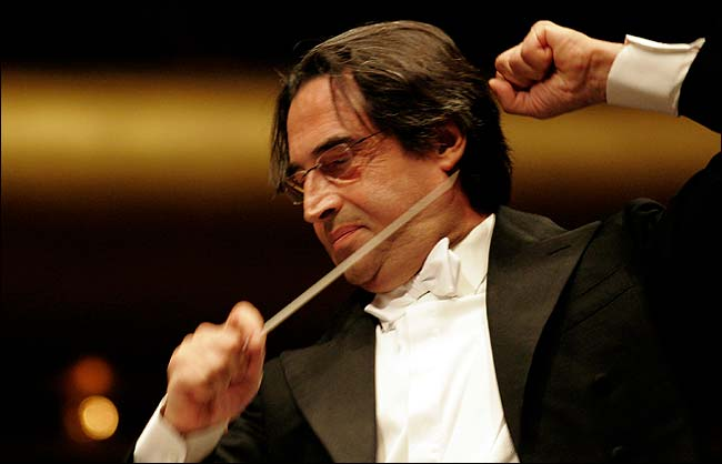 Riccardo Muti sarà operato a Chicago dopo la caduta