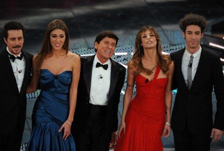 Sanremo 2011: il programma ufficiale della seconda serata