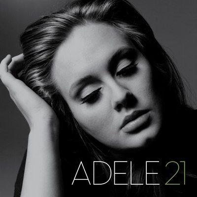 Billboard: Adele ancora prima, Kelly Clarkson debutta al secondo posto