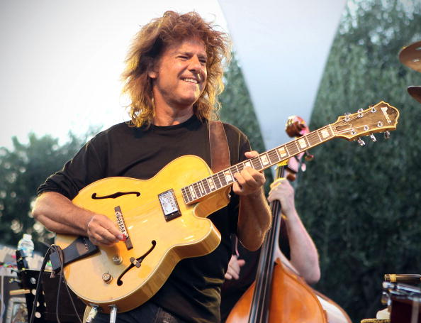 """Pat Metheny plays covers: è uscito """"What's it all about"""""""