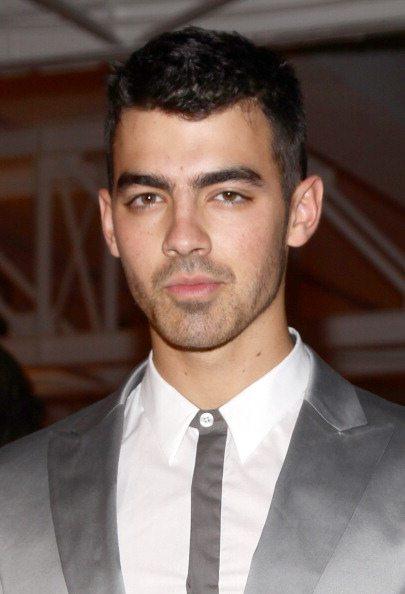 """Jonas Brothers, """"See no more"""" il primo brano solista di Joe"""