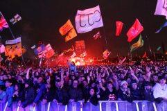 Fan degli U2 al Glastonbury festival 2011
