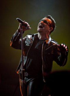 Bono Vox - U2 at Glastonbury 2011