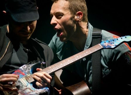 Chris Martin e Jonny Buckland - Glastonbury 2011