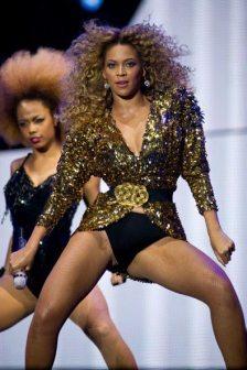 Balletto sensual per Beyoncé e le sue ballerine
