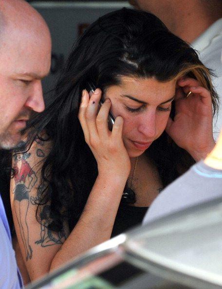 Amy Winehouse spinta sul palco di Belgrado?