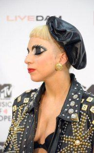 Lady Gaga- trucco manga