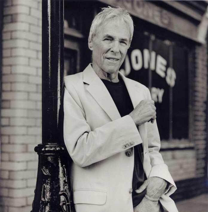 Musicastelle in Blue, Burt Bacharach registra sold out