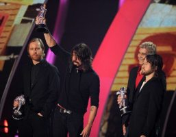 Foo Fighters ritirano premio per Miglior video Rock